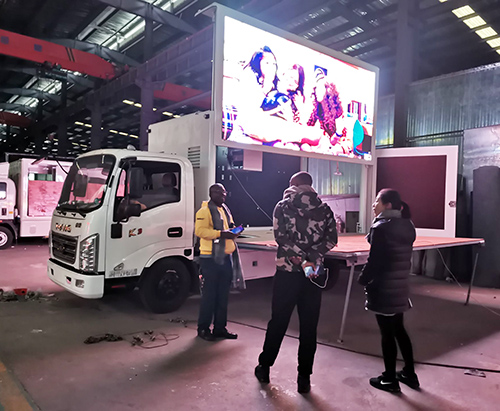 Customers From Rwanda And Order A LED Truck