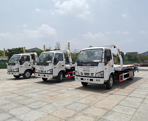 3 units of ISUZU 600P Flatbet Wrecker Truck Ship to Philippines