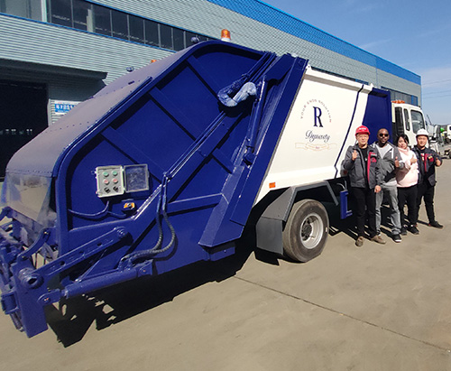 Customers From Seychelles Come To Inspect Vacuum Truck And Compactor Truck