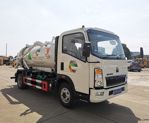 One unit of HOWO RHD 5000L Vacuum Truck Ship to Seychelles