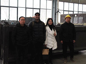 Customer from New Zealand come to factory and inspect his order production
